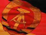 Прапор і герб НДР: фото, опис та значення символів Східної Німеччини